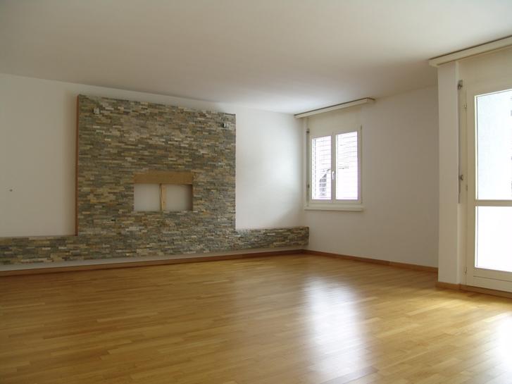 Grosse 31/2 Zimmer Wohnung in Seenähe, Arth 6415 Arth