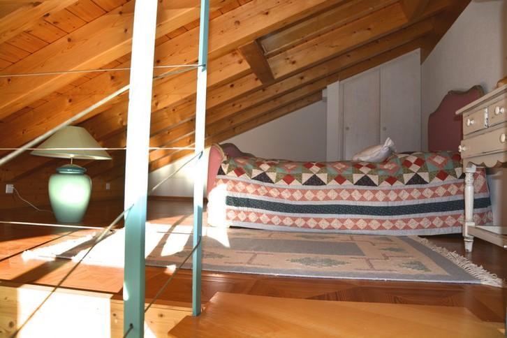 Appartementhaus ZUM TURM 3.5-Zimmer-Dachgeschosswohnung im Landhausstil mit Galerie und schöner Aussicht 4