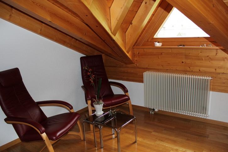 GOLF A sehr helle, gepflegte und luxuriöse 4.5 Zimmerwohnung, wie neu, mit Galerie 4