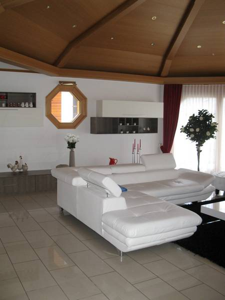 VILLA OCTOGON, Exklusive, luxuriöse 3.5 Zimmerwohnung mit erstklassiger Einrichtung und sehr grosser Terrasse 2