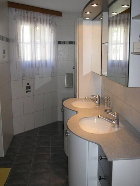 ARAMIS Exklusive 4.5-Zimmerwohnung + Gäste-Doppelzimmer mit grosser Terrasse Süd und Einzelgarage 2