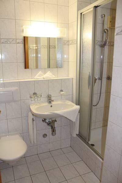 Residenz LES NATURELLES, Helle 2.5-Zimmer-Eckwohnung mit Balkon und wunderschöner Aussicht 4