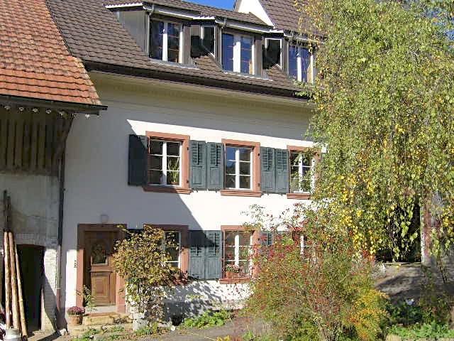85 m2, 2 1/2 Zi. Wohnung nahe LIestal in Bauernhaus 4423 Hersberg