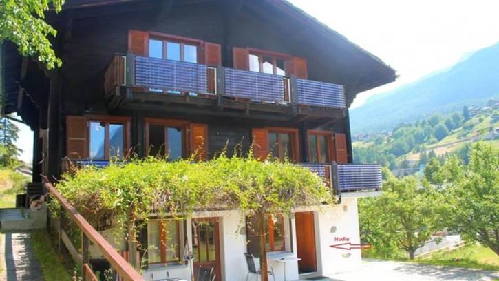 Chalet GRÄCHBIEL 7-Zimmer Chalet mit grossem Garten und Aussicht auf Riedgletscher und Mischabelgruppe 2