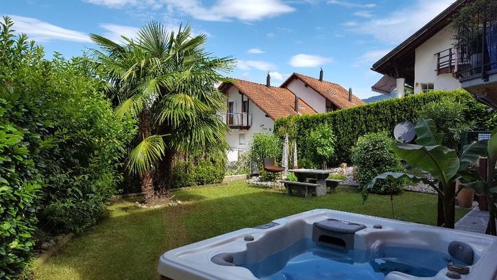 2.5 Zimmer-Gartenwohnung an sehr ruhiger Lage mit Seesicht und Whirlpool am Lago Maggiore / Tessin / Schweiz 6575 Vairano / San Nazzarro (TI)