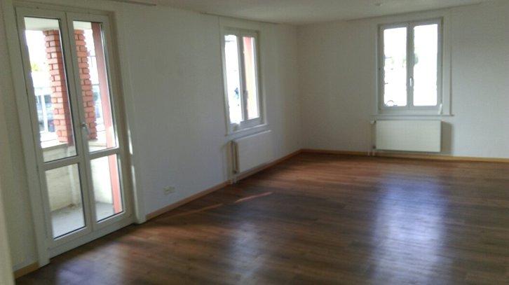 3 1/2 Zimmer Wohnung Hochparterre 3