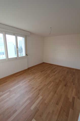 Helle Zentrale 4 Zimmer Wohnung sucht Nachmieter 4