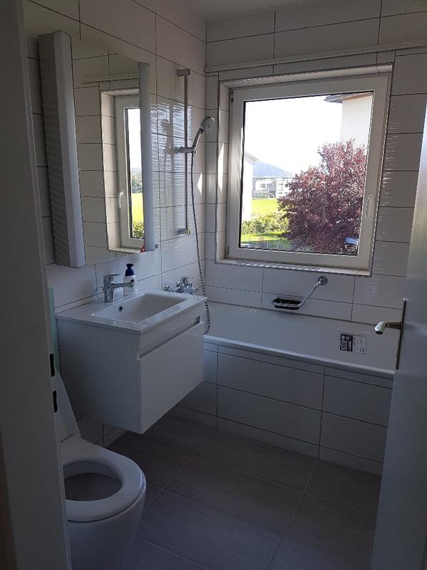 Zu Vermieten 3.5 Zimmer Wohnung 8645 Zürich