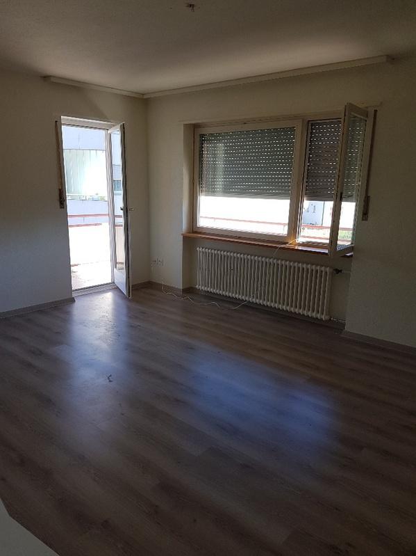 Zu Vermieten 3.5 Zimmer Wohnung 3