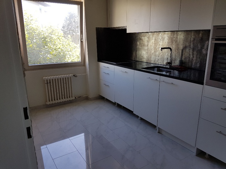 Zu Vermieten 3.5 Zimmer Wohnung 4