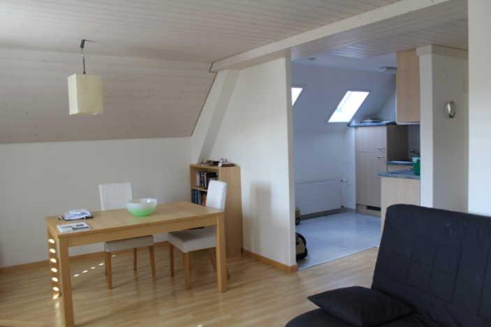 heimelige 2,5 Zimmer Wohnung in ruhiger Lage  4