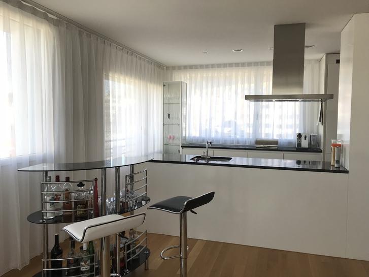 Lichtdurchflutete 4.5 Zimmer Wohnung in Bülach zu vermieten 8180 Bülach