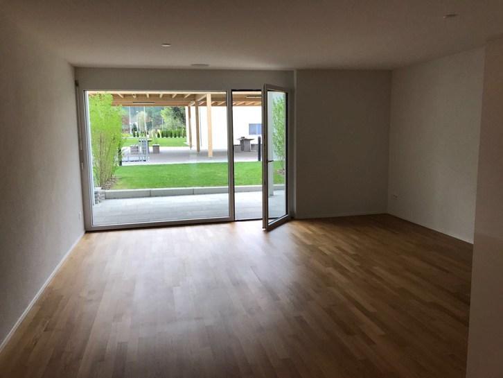 Moderne 2.5 Zimmerwohnung, mit Gartensitzplatz 5727 Oberkulm