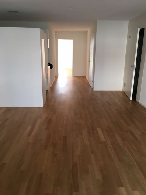 Moderne 2.5 Zimmerwohnung, mit Gartensitzplatz 2