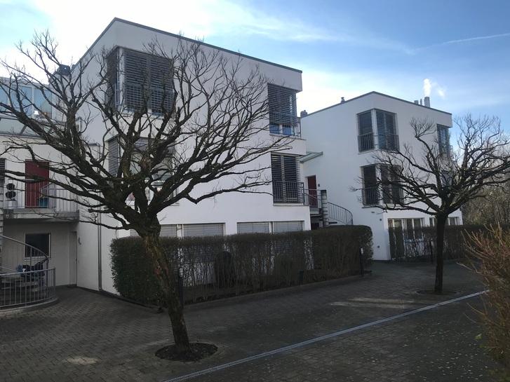 Helle grosse  Maisonette Wohnung mit Wintergarten und Dachterrasse an der Ergolz 4302 Augst