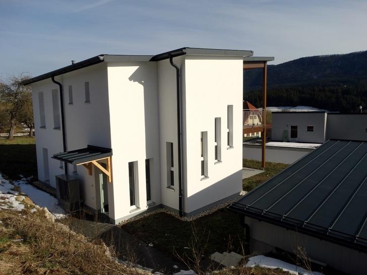 Zu Vermieten : Neues Haus oberhalb Biel 2