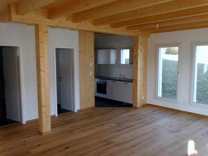 Zu Vermieten : Neues Haus oberhalb Biel 4