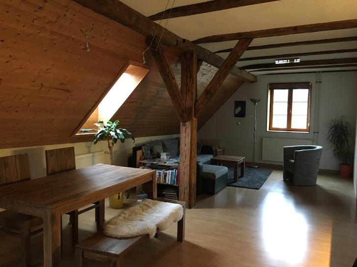 gemütliche 2,5Zi-Dachwohnung 8104 Weiningen ZH