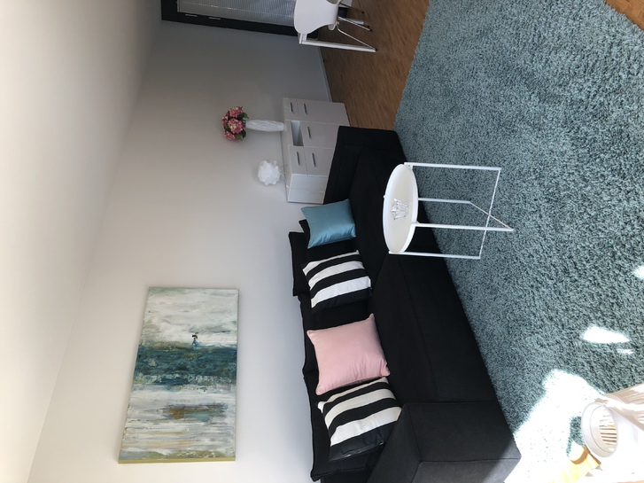 Moderne 2,5 Zi-Wohnung 8340 Hinwil