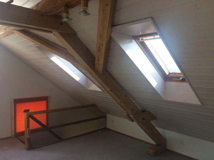 Dachzimmer zur Untermiete 3