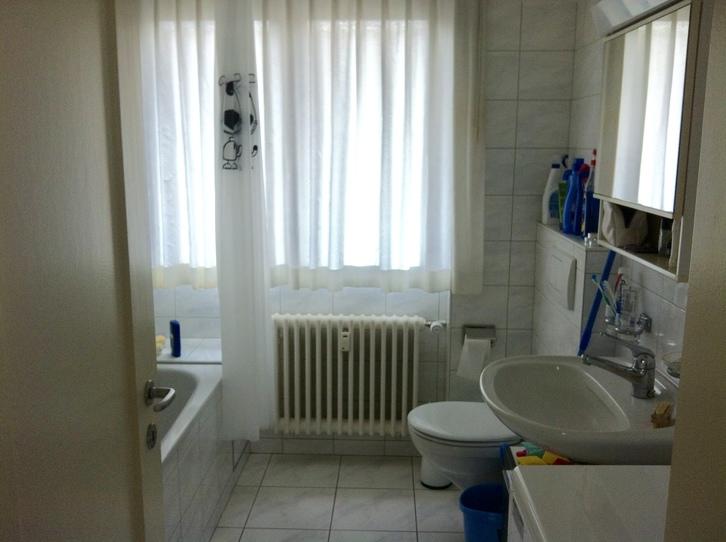 Schöne 2,5 Zimmers Dachwohnung mit 2 Blakonen in Basel 4