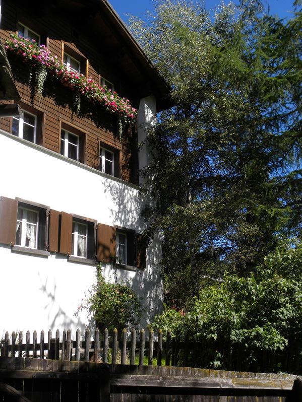 Vermiete 2-Zimmerstudio im wunderschönen Rheinwald 7437 Nufenen