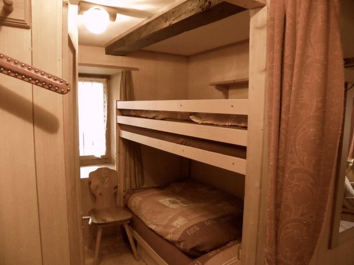 Vermiete 2-Zimmerstudio im wunderschönen Rheinwald 3