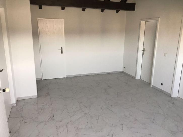 4.5 Neu Renovierte Dachwohnung 4