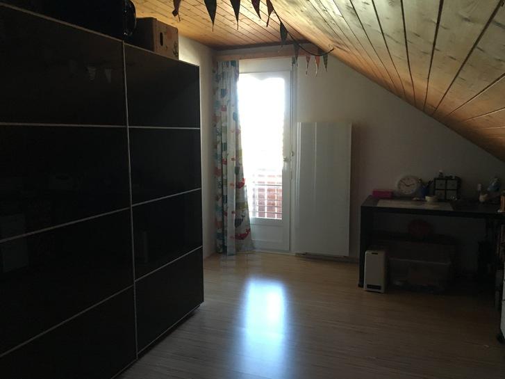 Grosszügige 4 ½ Zimmer Maisonettewohnung in Neuendorf 4