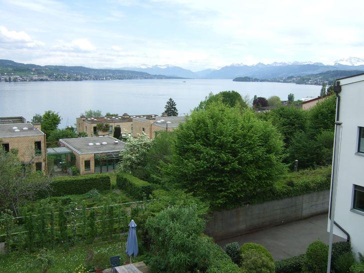 Helle Wohnung mit toller Seesicht in Altbau 8942 Oberrieden