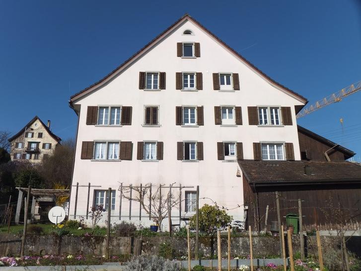 Helle Wohnung mit toller Seesicht in Altbau 2
