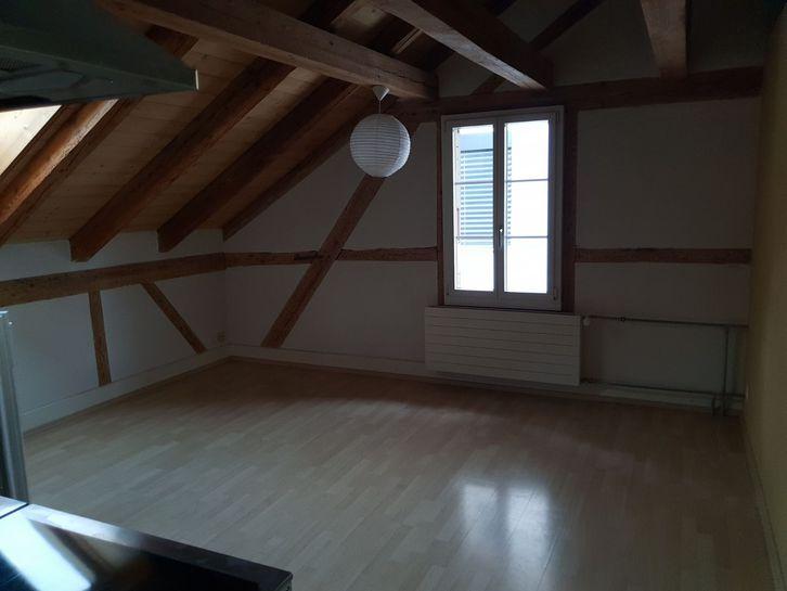 Schöne 2.5-Zimmer Dachwohnung in der Stadtnähe von Thun 3600 Thun