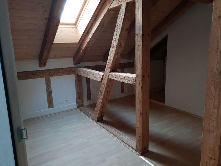 Schöne 2.5-Zimmer Dachwohnung in der Stadtnähe von Thun 3