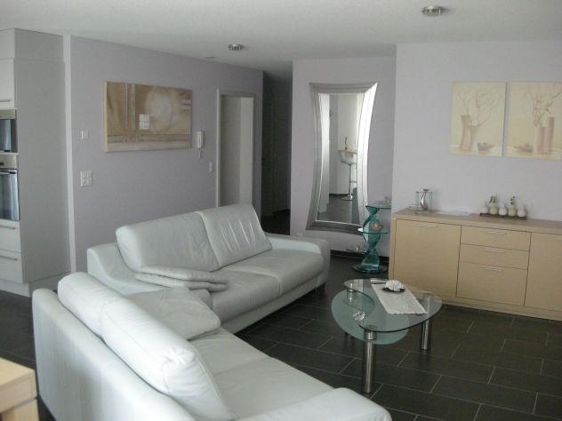 Moderne Wohnung mit Garten inkl. zwei Tiefgaragenplätze sucht Ehepaar oder junge Familie  3