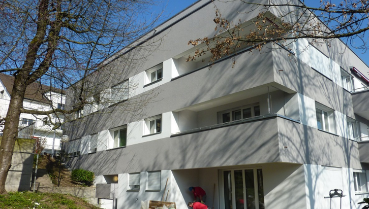 Renovierte 1.5-Zimmer-Wohnung an zentraler Lage ! 2