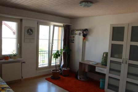 Schöne 4,5 Zimmer-Wohnung im Zentrum von Bubikon 2