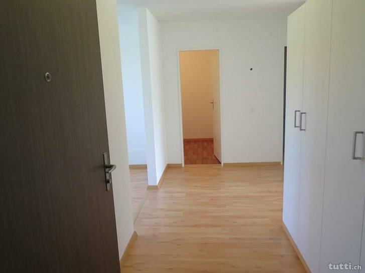 Schöne, helle EG 2,5 Zimmer Wohnung 2