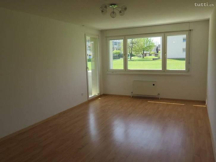 Schöne, helle EG 2,5 Zimmer Wohnung 3
