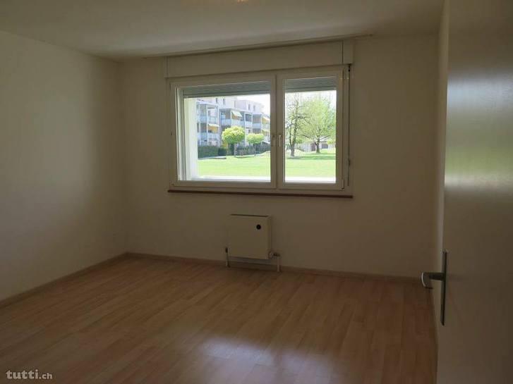 Schöne, helle EG 2,5 Zimmer Wohnung 4