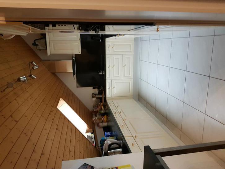 Exklusive, helle 5.5 Zimmer Dachwohnung in einem modernen Dreifamilienhaus 2
