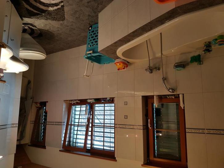 Exklusive, helle 5.5 Zimmer Dachwohnung in einem modernen Dreifamilienhaus 4