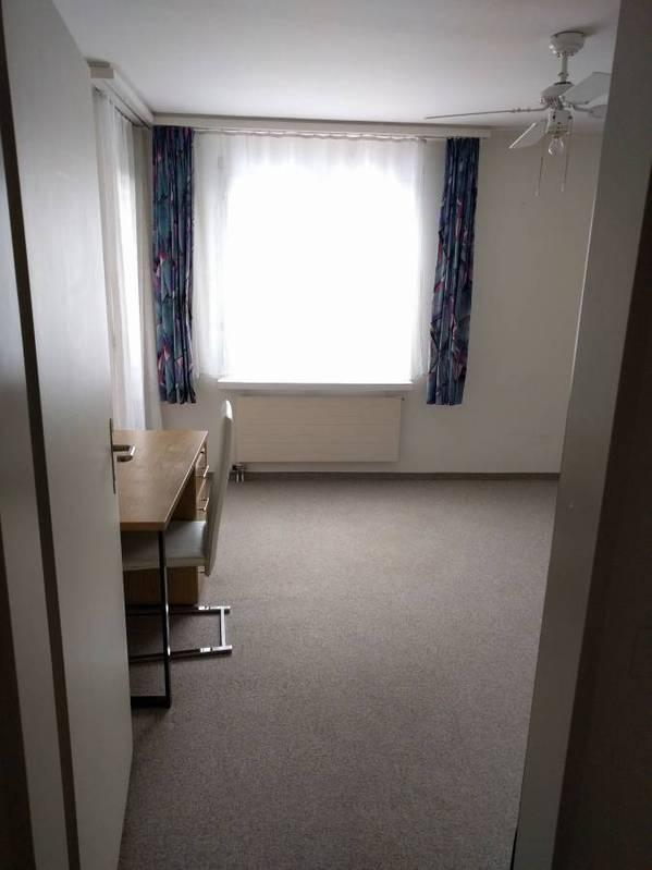 Zentrales Zimmer mit eigenem Bad 2