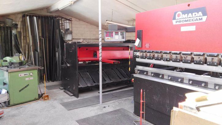 Werkstatt 2 stöckig komplett eingerichtet mit Maschinen usw. 3