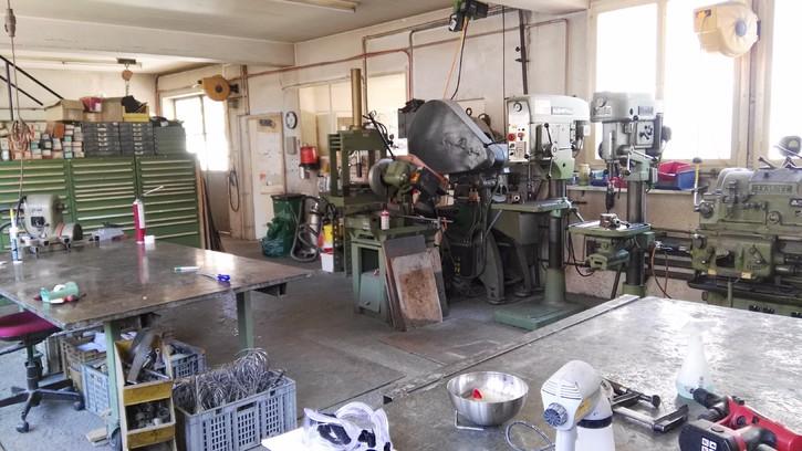 Werkstatt 2 stöckig komplett eingerichtet mit Maschinen usw. 4