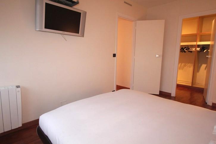 2 Zimmer in renoviertem Gebäude, nah an allen Annehmlichkeiten 3