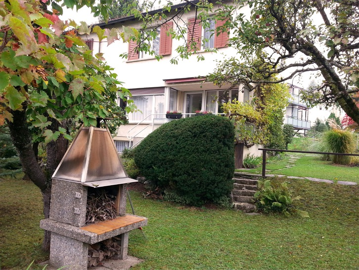 Kreis 10: teilmöbliertes 5-Zimmer-Eckfamilienhaus mit Garten an ruhiger Südlage an Privatstrasse zu vermieten 2