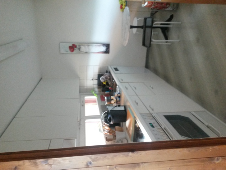 Wunderschöne und helle 3-Zimmer-Wohnung in bevorzugtem Besmerquartier 2