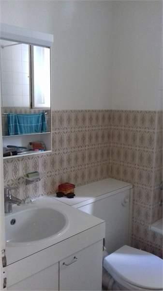 schöne 2 Zimmer Altbauwohnung an zentraler Lage 3