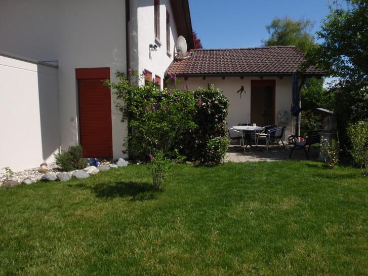 5 1/2 Zimmer Haus mit Garten 2