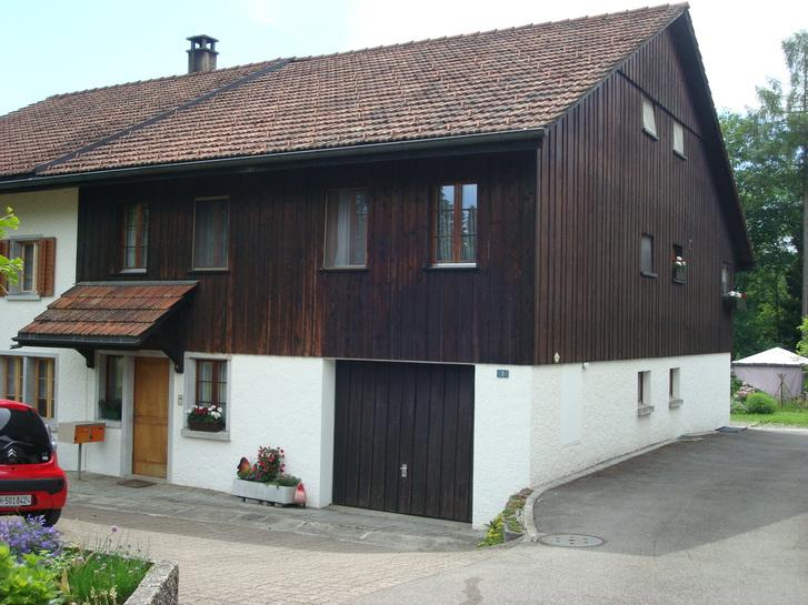 Schöne, heimelige 3 Zimmer Wohnung (Hausteil) 8330 Pfäffikon